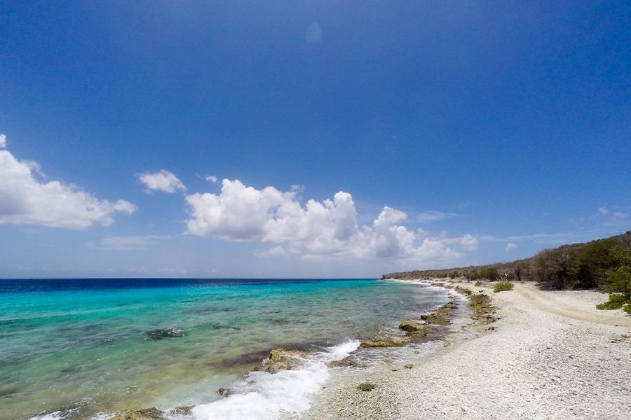 Strandje hoppen richting Westpunt Curacao