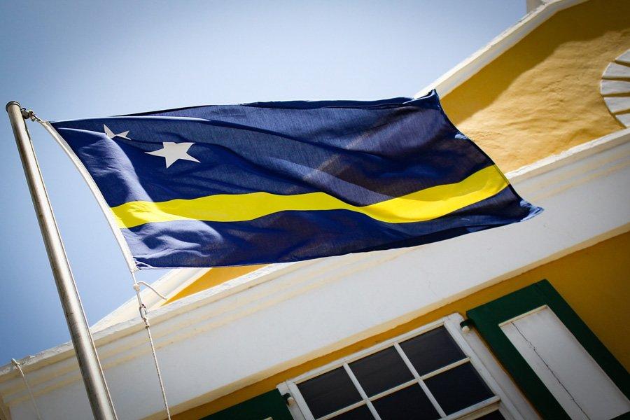 De vlag van Curaçao.